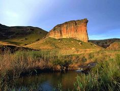 Golden Gate Highlands National Park This spectacular national park is located in the scenic north east of the Free State province. The ochre and gold sandstone cliffs gave this park its name and the area is rich in San rock art. Kruger National Park, National Parks, Highlands, South Afrika, Visit South Africa, African Love, Golden Gate Park, Free State, Out Of Africa