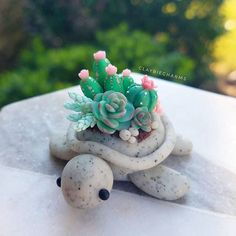 Another cacti garden turtle  I made a few more of these since I know you guys like them so much!  . . Also, I would like to mention... I understand that my garden turtles are popular among you guys and that you want me to make these more. Trust me guys, I'm doing the best I can  These guys can take up to 4-8 hours. There's a lot of planning that goes into these since I don't usually have a photo reference. So I'm usually just winging it and experimenting while I go, seeing what colo...