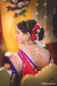 "Photo from Sonu Meghwani ""Apoorva & Vaibhav"" album Indian Bridal Hairstyles, Bun Hairstyles, Object Photography, Wedding Photography, Bridal Hair Buns, Indian Flowers, Hairstyle Wedding, Wedding Preparation, Beautiful Blouses"