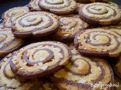 Sós földimogyorós csigakekszek | Betty hobbi konyhája Biscotti, Crackers, Paleo, Sweets, Cookies, Recipes, Pizza, Food, Women's Fashion