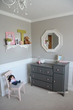Love this little girl bedroom. And all the details!
