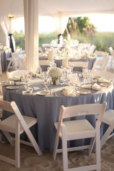Use light blue instead of navy blue or white table cloths