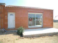 Sauvan, Villa neuve RT 2012 , 3 Chambres, Séjour cuisine et Garage .