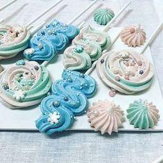 Meringue Pavlova, Meringue Desserts, Meringue Cookies, Mini Cupcakes, Cupcake Cakes, Magnum Paleta, Macarons, Frosting Tips, Dessert Decoration