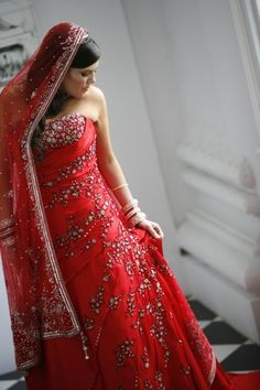 Modern indian wedding dress, love it!