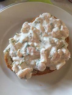 Sundere rejesalat (recipe in Danish) Yummy Eats, Yummy Food, Work Meals, Danish Food, Eat Smart, Mini Foods, Fish And Seafood, I Love Food, Tapas