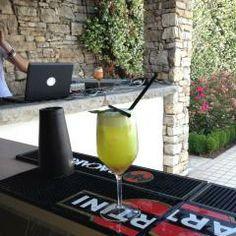 Cocktails  speciali, per uno speciale american bar in piscina