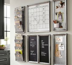 From kitchen command centers to corner wall command centers here are The 11 Best Family Command Centers we could find so you can be organized in no time at all! #decoratingkitchen