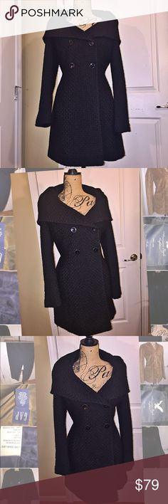 Calvin Klein dress coat Exquisite coat. Wool blend with quilted design on fabric. This cost drapes and wears like a dress. Large folded collar. Fully lined. Designer quality coat. Calvin Klein Jackets & Coats