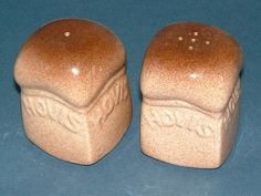 Vintage Carlton Ware Salt and Pepper Shakers Advertising HOVIS Bread - Made in… Salt N Peppa, Grain Of Salt, Pepper Spice, Shake Shake, Carlton Ware, Salt And Pepper Set, How To Make Bread, Salt Pepper Shakers, Sugar And Spice