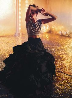 la modella mafia Abbey Lee Kershaw x Vogue Australia April 2014 photographed by Will Davidson, styled by Christina Centenera 1