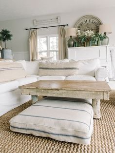 Farmhouse Style Dog Bed | Great looking dog beds that fit in with farmhouse style and cottage style home decor.