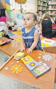 Los bebés tienen su espacio en la Biblioteca Pedagógica - Santa Fe - ElLitoral.com