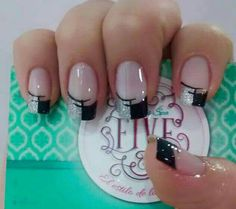 uñas frances negro y blanco Cute Nails, Pretty Nails, My Nails, French Nail Art, French Tip Nails, Fabulous Nails, Gorgeous Nails, Plaid Nails, Accent Nails