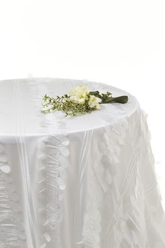 white petal leaf taffeta table cloth #wedding linen #white tafetta tablecloths #white tafetta linen hire www.decorit.com.au
