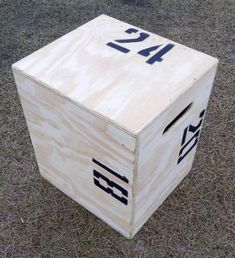I want a plyo box (this one is 3 different heights) for crossfit Plyo Box Plans, Diy Plyo Box, Diy Box, Yoga Fitness, Sport Fitness, Fitness Memes, Fitness Shirts, Bodyweight Fitness, Enjoy Fitness
