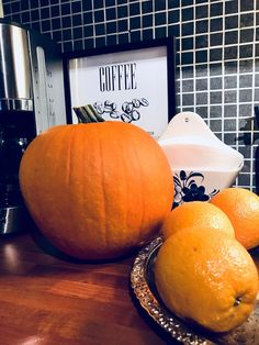 It's that time of year when pumpkins are everywhere and pumpkin spice is a must ! So I thought I will share with u how to make pumpkin spice at home...