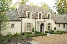 Exterior Paint Colors - You want a fresh new look for exterior of your home? Get inspired for your next exterior painting project with our color gallery. All About Best Home Exterior Paint Color Ideas French Country Exterior, French Country House, French Country Decorating, Country Houses, Exterior Paint Colors, Exterior House Colors, Exterior Design, Cafe Exterior, Restaurant Exterior