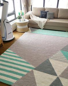 Knitting carpet models - Crochet for Home Best Carpet, Diy Carpet, Rugs On Carpet, Stair Carpet, Crochet Carpet, Crochet Home, Crochet Rugs, Tapetes Diy, Knit Rug