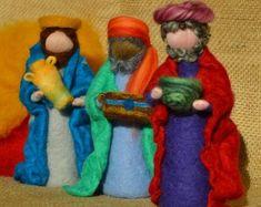 Items similar to Christmas Nativity Needle felted Waldorf inspired on Etsy Christmas Nativity Scene, Felt Christmas, Christmas Crafts, Man Crafts, Felt Crafts, Moldes Halloween, Three Wise Men, Wool Art, Waldorf Dolls
