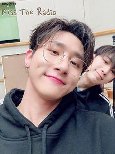 Changkyun [ I.M ] and Wonho Selca