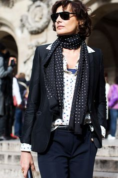 Only Inès de la Fressange could wear (what I would consider) a childish star print & make it look chic - The Sartorialist The Sartorialist, Style Français, Looks Style, Style Icons, Street Style, Street Chic, Paris Street, Ines Fressange, Parisienne Chic