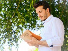 Por que dedicar um mês à Bíblia