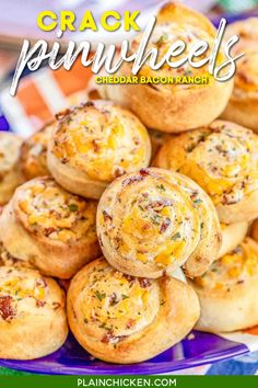 Crack Pinwheels - SO addictive!!! Ranch seasoning, cream cheese, cheddar cheese, and bacon baked in pizza dough - I could eat the whole batch! Great as an appetizer or with soup or stew. Tastes great hot out of the oven or at room temperature. These cheesy bread pinwheels don't last long! #cheddar #bacon #ranch #tailgating #gameday #bread #appetizer Plain Chicken Recipe, Chicken Recipes, Ranch Seasoning, Tailgating Recipes, Party Finger Foods, Pizza Dough, Appetizers For Party, Pinwheels, Quick Easy Meals