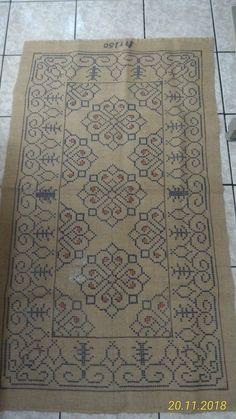 Cross Stitch Bird, Cross Stitch Embroidery, Cross Stitch Patterns, Crochet Carpet, Chart Design, Filet Crochet, Rugs On Carpet, Fiber Art, Bohemian Rug