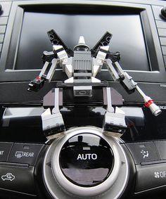 LEGO a Day 091/365 - Auto Bot