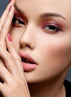 Rose gold / olhos com sombras rosa e dourada