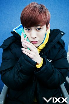 Vixx Hongbin @우 마카 ✌ I wanted to find scary pictures but I'm actually finding aegyo...