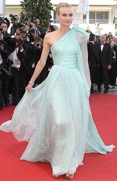 Diane-Kruger-red-carpet-dress