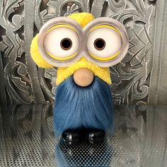 Halloween Crafts, Holiday Crafts, Crafts To Sell, Diy And Crafts, Creative Crafts, Minions, Gnome Ornaments, Scandinavian Gnomes, Diy Papier