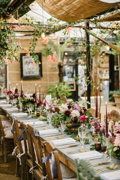 Find country chic in the heart of London at Petersham Nurseries! Tropical Party Decorations, Wedding Table Decorations, Rustic Outdoor Spaces, Wedding Venues Uk, Cozy Cafe, Covent Garden, Table Flowers, Glass House, Portfolio