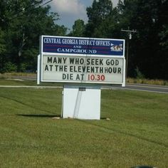 But all of these church signs will make you smile Church Sign Sayings, Funny Church Signs, Church Humor, Funny Signs, Christian Humor, Christian Quotes, Jesus Pictures, Funny Pictures, Apps