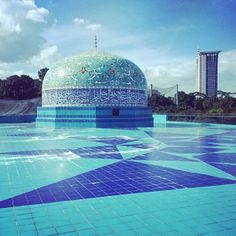 Taken in #Malaysia, by our author on the road there @rexcat75 (Cristian Bonetto). Go! #lonelyplanet #travel #blue