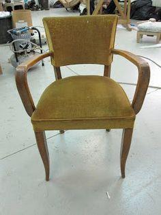 comment recouvrir un voltaire tapisser refaire un si ge fauteuil fauteuil voltaire et. Black Bedroom Furniture Sets. Home Design Ideas