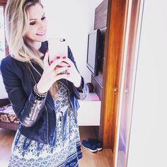 Mais uma de hj com meu vestidinho fofo... Look confortável perfeito para um sábado com as amigas!  #lookdodia #ootd #basico #fofo #confortável #cores #estampas #sabado #happy #instafriend #instablogger #instafashion