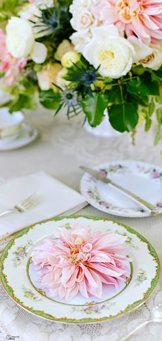 Place Setting  www.tablescapesbydesign.com https://www.facebook.com/pages/Tablescapes-By-Design/129811416695