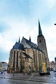 http://it.123rf.com/photo_51649512_cathedral-of-saint-bartholomew-pilsen-czech-republic.html