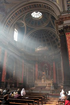 Beautiful London Brompton Oratory with changes mandated by Vatican II e.g. - NONE. New blog about this here … http://corjesusacratissimum.org/2015/07/ad-orientam-liturgical-tragedies/