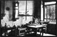 Laboratório de Röngten em Würzburg, com o equipamento utilizado para a produção de raios X.