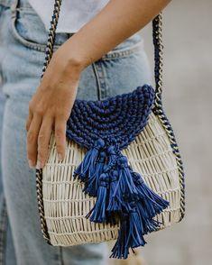 Uru  uma bolsa com cheiro de mar e sol, barulho de onda e vento, pra ir com você a qualquer lugar.