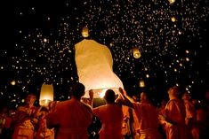 Yi Peng (Floating Lights Festival) is an annual Thai holiday held the 2nd month of the Thai Lanna calender.