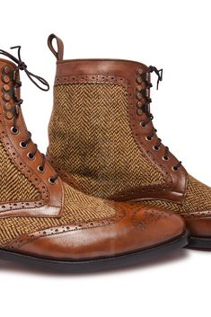 Two Tone Derby Leather Boots Brown Leather Boots, Brown Boots, Leather Shoes, Leather Skin, Big Men Fashion, Mens Boots Fashion, Fashion Styles, Fashion Ideas, Burberry Men
