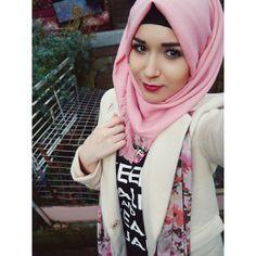 Nabila Bee Hijabi Girl, Girl Hijab, Hijab Fashion, Girl Fashion, Womens Fashion, New Hijab Style, Hijab Dpz, Hijab Wear, Stylish Hijab