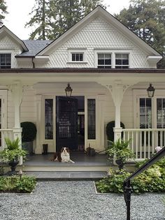 Home exterior: farmhouse cottage blend-oh those fancy shingles.