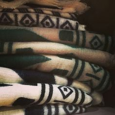 Celebrate the best in agriculture local food and equestrian competitions from across Canada at the Royal Agricultural Winter Fair from now until November 15. Plus support Canadian artisans selling unique items like these Navajo blankets from @thecolleqtion. #Toronto #SeeTorontoNow #CanadianMade