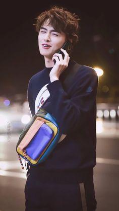 I wish Darren was talking to me :') Asian Actors, Korean Actors, Korean Men, Meteor Garden Cast, Meteor Garden 2018, Beautiful Boys, Gorgeous Men, F4 Boys Over Flowers, Hua Ze Lei